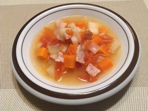 野菜スープ食卓