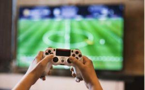 ビデオゲームをしている人のイメージ画像