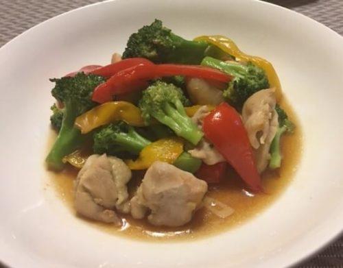 鶏とブロッコリーのオイスター炒め食卓