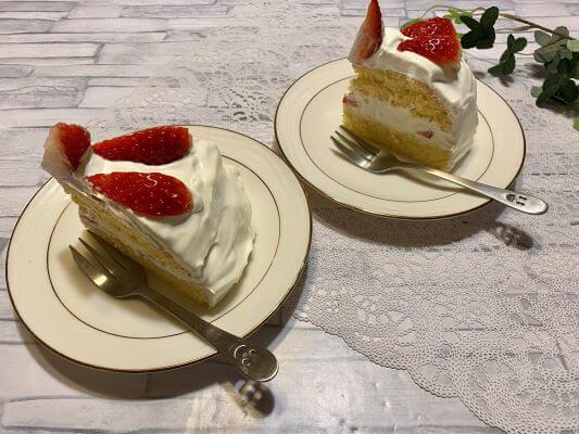 ショートケーキ食卓改