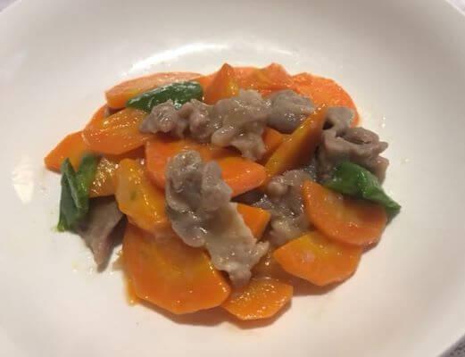 6ステンレス鍋で作ったにんじんと豚肉の炒め物