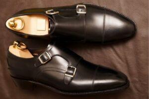 スムースレザーの革靴