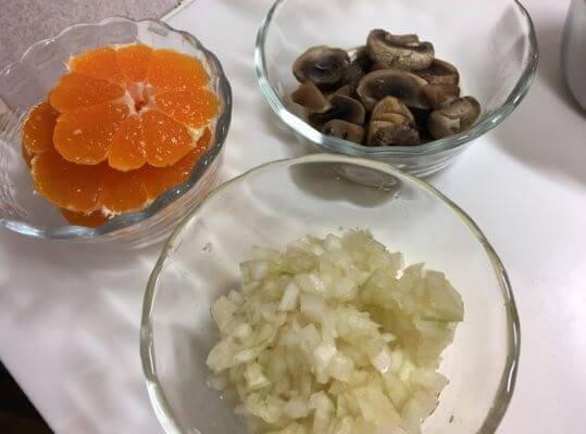 3豚肉とみかんフレンチ風炒め煮具材