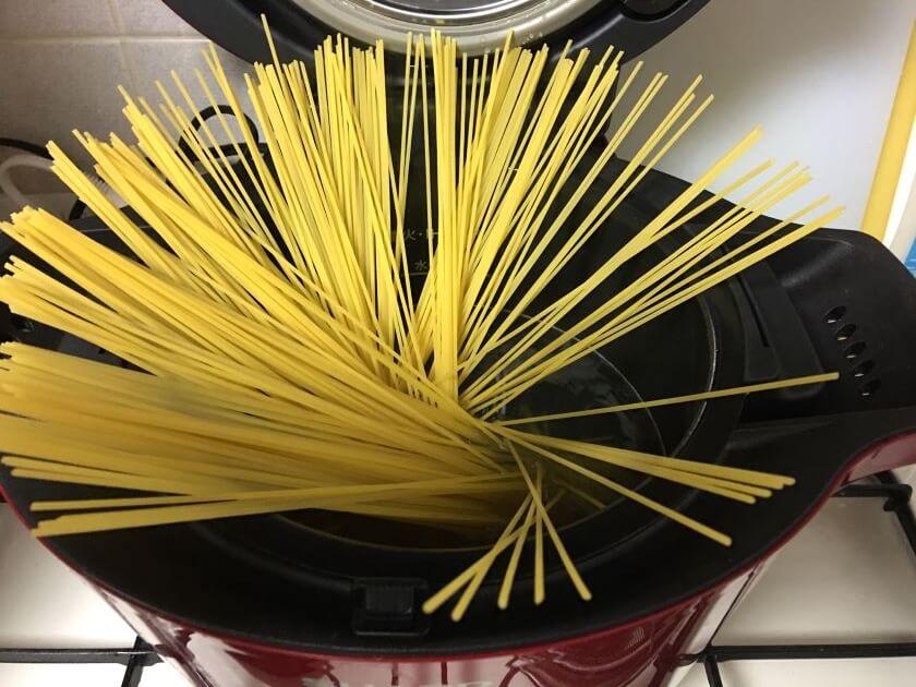 めんをゆでるスパゲティアイキャッチ