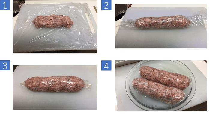 肉だねをラップで包む工程