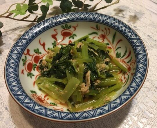 小松菜とツナの煮物食卓